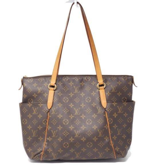 Louis Vuitton Handbags - Auth Louis Vuitton Totally MM Monogram Tote Bag